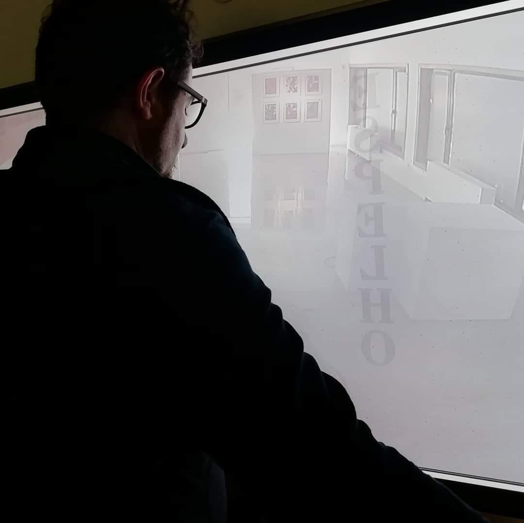 ESPELHO: a visual rereading of Espelho by Abílio-José Santos
